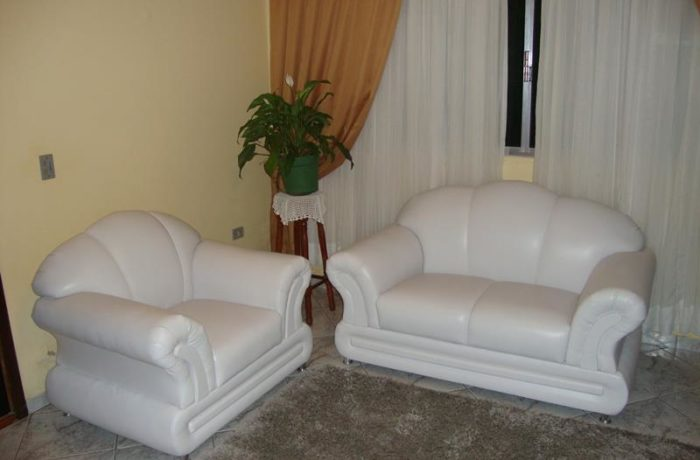 Reforma de Sofá em Tecido Courvin Branco