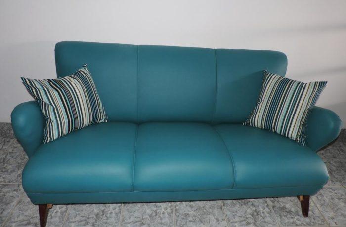 Reforma de sofá de 3 lugares em tecido Courvin cor Verde